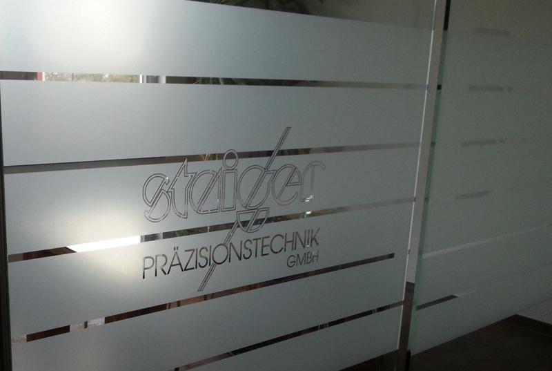 Glasbeschichtung Folierung sandstrahlfolie satinierung Streifen Folie