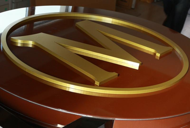 Profilbuchstaben, Holzbuchstaben, Kunststoffbuchstaben innen