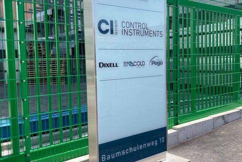 Pylon Stele Firmenschild freistehend Aluminiumschild
